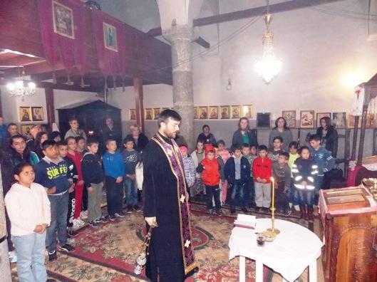 Parastos u crkvi u Orahovcu povodom martovskog pogroma  (2)