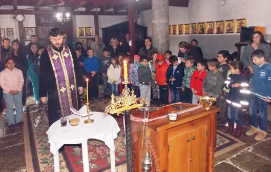 Parastos u crkvi u Orahovcu povodom martovskog pogroma  (6)