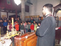 Parastos u crkvi u Orahovcu povodom martovskog  pogroma